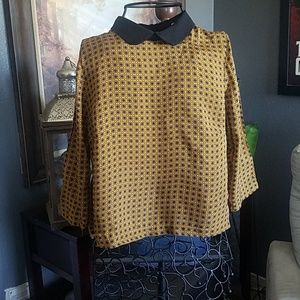 Beautiful peter pan collar blouse